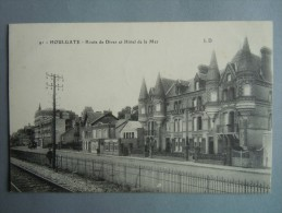 HOULGATE   Route De Dives Et Hotel De La Mer - Houlgate