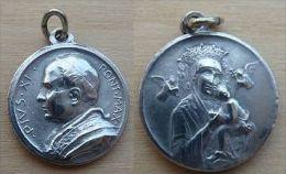 Mada-459 Médaille Ancienne   à Voir Et à Déterminer Pius XI - Religion & Esotericism