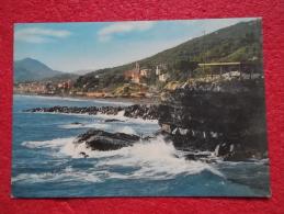 Cavi Di Lavagna Mare Sulle Scogliere  Genova - Italia