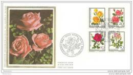 """TH - 11548 - Enveloppe Suisse En Soie Avec Série Pro Juventute 1972 """"Roses"""" Et Oblit Spéciale 1er Jour - Roses"""