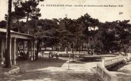 83 CAVALAIRE Jardin Et Restaurant Des Bains Animée - Cavalaire-sur-Mer