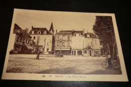 CPA BRIVE. Place Thiers, Vélo, Carte Animée. - Brive La Gaillarde