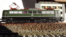 SCALA N ECHELLE - MINITRIX 2056 STUPENDA LOCO Elettrica Pesante DB E 151 025 -4 - N SPUR - Locomotives