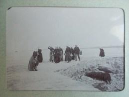 PHOTO DE ROSCOFF ( 29 BRETAGNE ) Arrivée Des Femmes De L'Ile De Batz  1898/1902 - Lieux