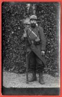 CPA CARTE-PHOTO Soldat En Tenue Avec Fusil Et Baïonnette - Militaria