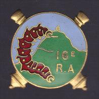 16° RAD, 16° Régiment D'Artillerie Divisionnaire, Chenille, émail Grand Feu, Chobillon, Poinçon Carré, - Armée De Terre