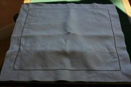 Taie D'oreiller En Fil Avec Broderie Fait  Main - Bed Sheets