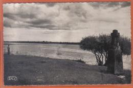 Carte Postale 36.  Mézières-en-Brenne Croix De Pierre  Etang De La Mer Rouge  Trés Beau Plan - Autres Communes