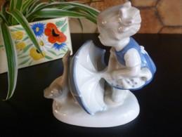 PORCELAINE De SAXE THURINGE GDR - Petite Fille, Oie, Parapluie - No Copenhague - Ceramica & Terraglie