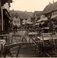 Photo Originale - Alsace - 67210 - Obernai - Place Du Marché Animé Vue D'une Terrasse - - Places
