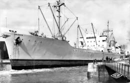 """Cpsm Bateau Identifié """" Amienois  """" C.b;v;n;  Transport Maritime Cargo Dunkerque Construit à Tampa En 1947 - Koopvaardij"""