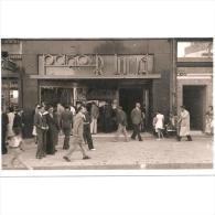 BCNTP3638CPA-LFTD5320TPRO.Postal De BARCELONA.Edificios,tiendas,personas,calle .PAÑOS R. JULIA En BARCELONA - Profesiones