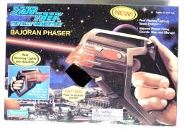 STAR TREK Playmates 1995 BAJORAN PHASER EN BOITE NEUF - Star Trek
