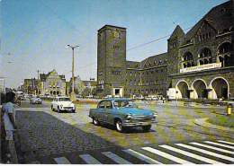 POLSKA Poland Pologne - POZNAN : Ulica Czerwonej Armii - Patac Kultury ( Automobiles ) CPSM CPM GF - Pologne