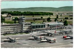 CPSM AEROPORT AIRPORT FLUGHOF ZURICH KLOTEN AVIONS  TIMBRE ENLEVE - 1946-....: Moderne