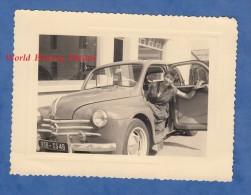Photo Ancienne - Belle Automobile RENAULT 4V Avec Femme Au Volant - Conductrice Conducteur Chauffeur - Cars