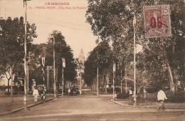 Cambodge  :    PNOM-PENH  Une Rue Du PNOMH  Réf 321 - Cambodia