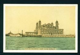 USA  -  New York  Ellis Island  Unused Vintage Postcard As Scan (Lumitone) (Printing Ink Smear On Reverse) - Ellis Island