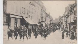 LA GUERRE 1914 15 REGION DE SOISSONS REGIMENT D'INFANTERIE SE RENDANT SUR LE FRONT TBE - Oorlog 1914-18