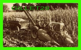 AGRICULTURE - TRACTEUR, ALLIS-CHALMERS TWO ROW, MOUNTED CORN HARVESTER MODEL WC - MILWAUKEE, WI - - Tracteurs