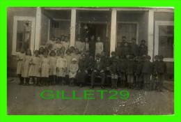 SERBIE - SERBIA - S. H. S. CHILD WELFARE ASSOCIATION - MONASTER WITH PERSONNEL - - Serbie