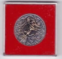 1977 Great Britain QEII Silver Jubilee  Encased Crown Coin - Grande-Bretagne