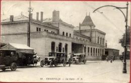 57 THIONVILLE - La Gare - Animée, Voitures Anciennes - Thionville