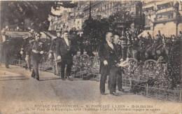CPA 69 LYON VOYAGE PRESIDENTIEL POINCARE 1914 PLACE DE LA REPUBLIQUE APRES L'HOMMAGE A CARNOT REGAGNE VOITURE - Lyon