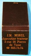 POCHETTE D´ALLUMETTES J.M. MOREL CHARCUTIER TRAITEUR 3 RUE ST PIERRE DE VAISE ( LYON ) - Boites D'allumettes
