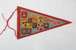Vintage Grenoble , Dauphine, France Cloth Collectible Pennant/ Flag/ Fanion - Otros