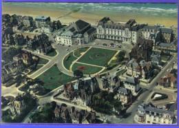 Carte Postale 14. Cabourg Vue D´avion  Trés Beau Plan - Cabourg