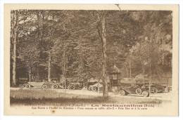 """CHATEAUNEUF-les-BAINS (Puy-de-Dôme) """"La RESTAURATION"""" Maison BRESLE - Autos Dans Le Parc à L'heure Du Déjeuner - France"""