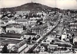 70 - VESOUL : Vue Générale  ( Dont Passage à Niveau Et Gare ) CPSM Dentelée Noir Blanc Grand Format  - Haute Saône - Vesoul