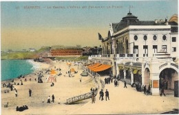 BIARRITZ  (cpa 64)  Le Casino, L'Hôtel Du Palais Et La Plage  Carte Colorisée - Biarritz