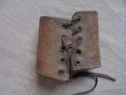 Ancien Bracelet De Force En Cuir - Accessoires