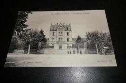 CPA 19 BRIVE. Le Collège Cabanis. Carte Animée. Voiture. Hipomobile. - Brive La Gaillarde
