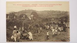 GUINEE Col De KOUMI 4 Kil Travaux Neufs CHEMIN DE FER De KONAKRY Au NIGER Afrique CPA Animee Postcard - Guinée