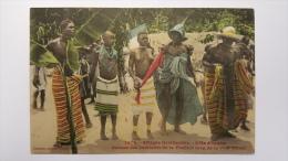 COTE D'IVOIRE Danses Des Habitants De La Foret Le Long De La Voie Ferree 1474 CPA Animee Postcard - Ivory Coast