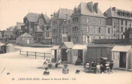 LION SUR MER - Devant Le Grand Hôtel - France
