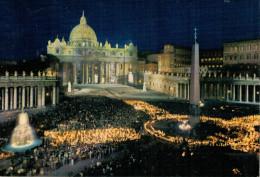 ROMA  DI  NOTTE   SAN PIETRO   FIACCOLATA    (VIAGGIATA) - San Pietro