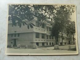 Carte Postale Congo Belge Laboratoire Reine Astrid ( Petite Dechirurre En Bas) - Congo Belga - Otros