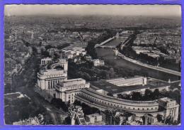Carte Postale 75. Paris Et Le Palais Chaillot Vue D'avion    Trés Beau Plan - France