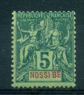 NOSSI-BE  ( POSTE ) : Y&T  N°  30 , TIMBRE  NEUF  AVEC  TRACE  DE  CHARNIERE , A  VOIR . - Ongebruikt