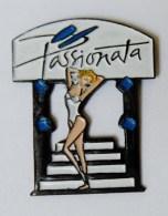 Pin's Pin Up Passionata - 24R - Non Classés