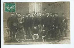 Paris .carte Photo D'un Groupe D'hommes Avec Des Vélos,légendé Paris 13eme - Arrondissement: 13