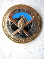 ANCIEN INSIGNE DE LA GENDARMERIE NATIONALE MONTAGNE EGM 24/5 GRENOBLE ETAT EXCELLENT - Polizia