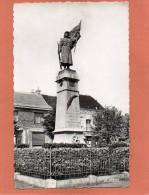 59  Wormhoudt  Le Monument Aux Morts  Cpsm Dentellée P F  Année 1950 EDIT  La Cigogne  N°5 - Wormhout