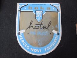 HOTEL CAMPING MOTEL PENSION SPA BOKA HERCEGNOVI MONTENEGRO JUGOSLAVIA LUGGAGE LABEL ETIQUETTE AUFKLEBER DECAL STICKER - Etiquettes D'hotels