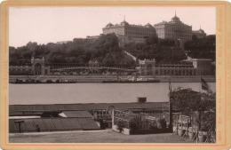 Budapest. Kir. Var és Varbazar. - K. Burg Und Burgbazar. Verlag V. Rommler & Jonas K.S. Hof-Photogr. 1887 (?) - Foto