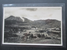 Niederländisch Indien 1937 Ansichtskarte / Echtfoto Stempel Medan. Landschaft / Vulkan? Berge - Niederländisch-Indien
